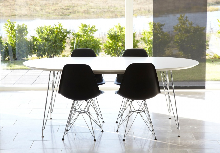 DK10 bord 110x190 hvit laminat stålben minimalistisk